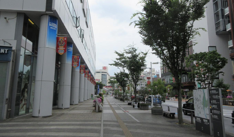 コモ・スクエア  2021年の駅前通り 豊田市駅方面