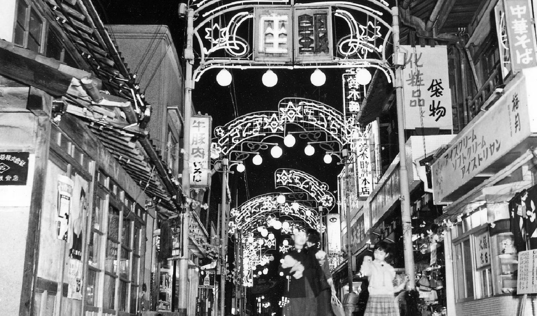 コモ・スクエア 銀座通り夜景